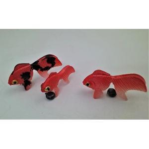 金魚 エサのいらない金魚(出目金)3匹セットを2セット以上で1100円+送料無料に!(代引き不可)|syozan