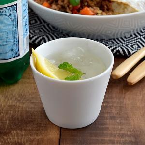 つややかでクリアな白磁のカップ。その白さは当店の白い食器の中でも抜群です。  こちらは、湯呑み、コー...