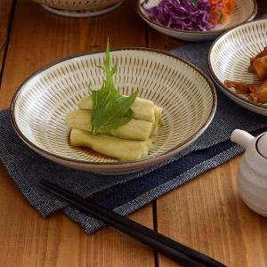 人気の民芸和食器の代表、小鹿田焼(おんたやき)の「かんな削り」という、一目一目をかんなで削り出した模...
