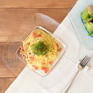 こちらは26cmサイズで、パスタ皿やメイン料理の盛り付けの主菜皿、ワンプレートや前菜盛り合わせに使用...