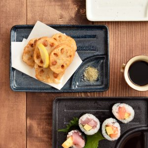 商品説明 小さな仕切り皿は、ちょっとした仕切りスペース付きの便利な焼物皿。 タレスペースが付いており...