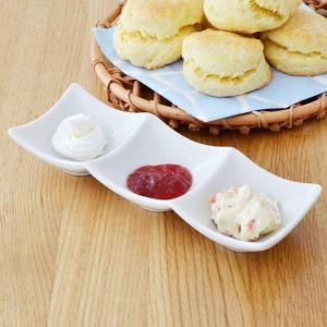 白いスクエア三品皿 アウトレット 1皿で3品盛れる仕切り皿 角皿 ホテル食器 オシャレ 仕切り ソース用 小皿  薬味皿 ディップやソース皿にも|t-east