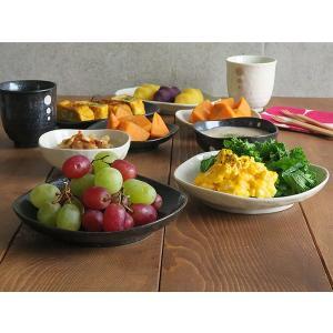 水玉 ドット モノトーン 三角5寸皿  和食器 和皿 取り皿 水玉模様 ケーキ皿 小皿 プレート おもてなし おうちごはん|t-east|05