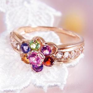 鮮やかな天然石8色の、キラキラと虹色に輝くアミュレットリング。 マルチカラー7種の天然石+透明色ホワ...