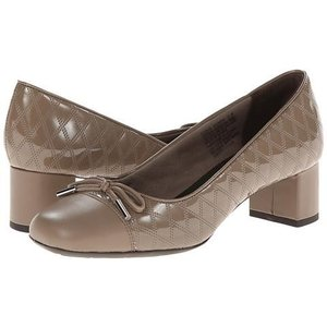 Rockport Total Motion 45 Square Quilted Cap Pump