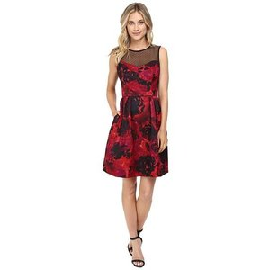 Maggy London Printed Floral Te...