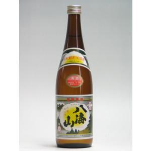 普通酒でありながら酒造好適米を60%まで精米し、低温発酵でゆっくりと丁寧に造っています。淡麗なスッキ...