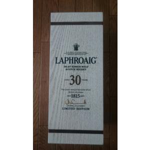 ラフロイグ30年 700ml 53.5度 木箱入り 並行品|takihan-1|03