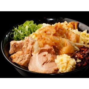 キリっとした醤油ダレと、甘味のある背脂が堪能できるまぜそば!モチモチとした自家製麺も、タレをしっかり...