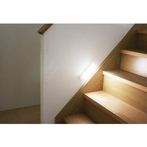 アイリスオーヤマ 屋内 LED センサーライト 昼白色 乾電池式 ウォールタイプ BSL40WN-W|tam-com