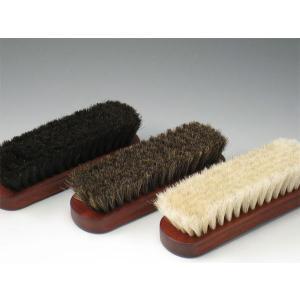 信頼のドイツ コロニル社製 靴用ブラシ 大きめブラシで、バッグやブーツにも便利。 靴用ブラシと呼んで...