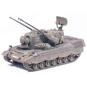 ●送料500円 ドイツ軍ミリタリーモデル 組立式プラモデルです 完成時の全長226mm、全幅97mm...