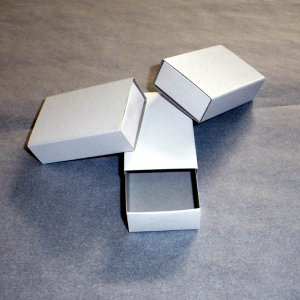ペーパーボックス 手作りプチギフトの箱に、アクセサリーの整理に、マッチ箱 使い方いろいろ