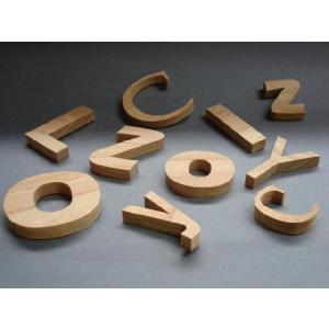 木製切文字アルファベット(英字) 欅4cmの木の文字|tanakahorutun