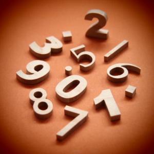 木製切文字数字 楓(かえで)2cm木の文字|tanakahorutun