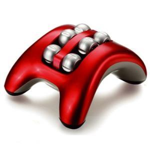 ●わざわざスイッチを入れる手間が無く、足でローラー部分を押すと振動が始まるスマート設計です。