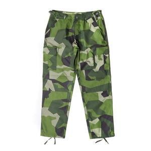 ds-2349700 スウェーデン軍BDU(Battle Dress Uniform) M90グリーンカモ カーゴパンツ レプリカ M (ds2349700)|tantanplus