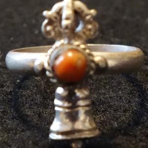 【天然石・アクセサリー】五鈷鈴 指輪 サンゴ16号|taradou