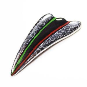 伊万里焼有田焼で知られる陶芸磁器扇形ブローチ。黒釉金彩貫入。|tatikawa
