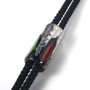 伊万里焼有田焼で知られる陶芸磁器ループタイ。黒釉白金彩貫入。|tatikawa