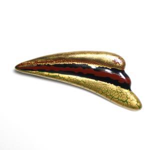 伊万里焼有田焼で知られる陶芸磁器扇形ブローチ。黒釉金彩貫入。 tatikawa