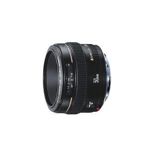 ★ 標準レンズの定番、F1.4の大口径50mm。 質量と描写性能、価格のバランスに優れた使い勝手の良...