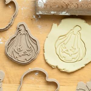 【商品説明】 えんとつ街のプペルのかぼちゃのクッキー型分離型です。ご自宅などでお使い頂くような分離型...