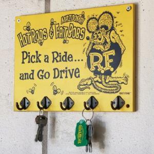 ラットフィンク 木製フックボード(イエロー) RAT FINK インテリア アメリカ雑貨 アメリカン雑貨|texas4619