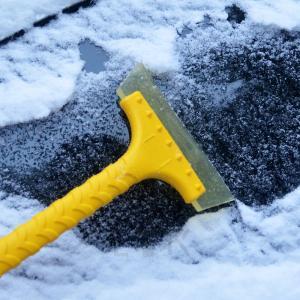 雪かき スノーブラシ スクレーパー  車 雪下ろし スノーワイパー 雪かきワイパー 雪落とし 車載 ...