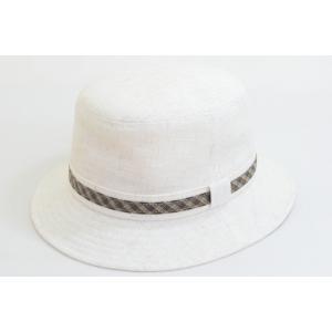 かぶり心地も見た目も涼し気な麻混素材のサハリハット。 胴回りのチェックリボンがシンプルな帽子にアクセ...