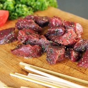 ポイント消化 竹串付き味付け ダチョウ肉 キューブ 150g 無添加 肉串 ケバブ 駝鳥 串焼き オーストリッチ