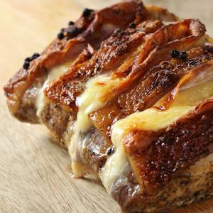 ロティ・オルロフ (約1kg) -ベーコンとチーズを挟んだ豚肉のロースト- 味付け済み 未調理|themeatguy