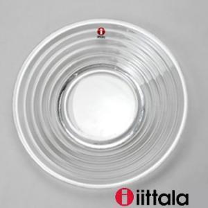 1932年「アアルト・グラス」は、ミラノ・トリエンナーレ展でも金賞を獲得し、シンプルな、そのデザイン...