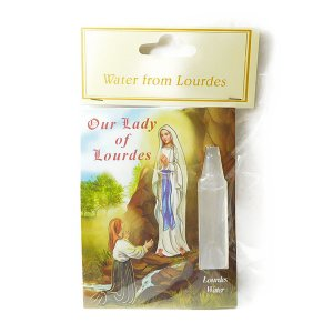 聖母マリアの言葉どおり湧き出したルルドの泉の水です。 ※飲料ではありません。 ※商品によってボトルの...