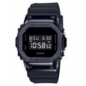 G-SHOCKのスクエアデザイン「5600シリーズ」から、メタル素材を採用したモデルが登場。ケース内...