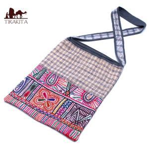 送料無料 カッチ刺繍のショルダーバッグ インド かばん ポーチ エスニック アジア|tirakita-shop