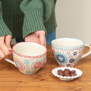 ◆商品について  手書き風のプリントが優しい表情のマグカップ。 ゆがんだ飲み口がレトロな雰囲気で可愛...