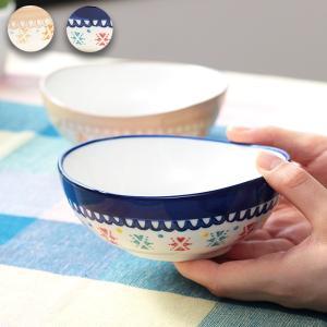 ◆商品について◆  グアテマラの伝統的な刺繍をモチーフにしたボウル。 縁をゆらゆら湾曲させることで、...