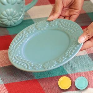 ◆商品について◆  メキシコの刺繍やコラソンをモチーフにしたプレート。 副菜や主役になるおかずを盛り...