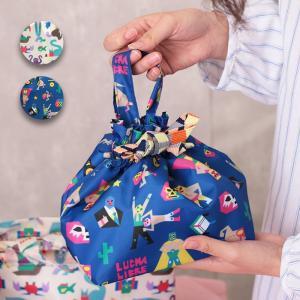 ◆商品について◆  カラフルな総柄がアクセントの保冷バッグ。 内側にはポケットも付いていて、可愛いだ...