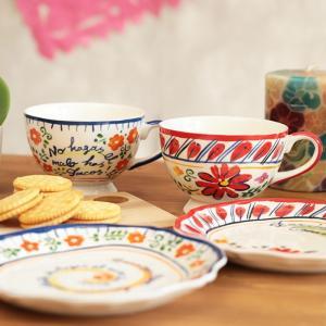 ◆商品について◆  メキシコの雰囲気たっぷりのデザインが可愛い足付きマグ♪ お花のモチーフをあしらっ...