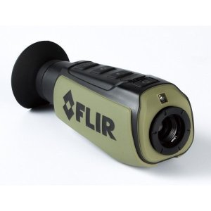 FLIR ハンドヘルド赤外線サーマルカメラ フリアースカウトII640 (9Hz) 暗視スコープ 夜間監視 夜行性動物の観察 [日本正規品]|tobeyaki