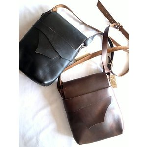 FERNAND LEATHER フェルナンドレザー ショルダーバッグ KELLY POUCH (L)/2カラー todayistheday