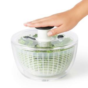 OXO オクソー ソフトワークス クリアサラダスピナー小 サラダ 水切り 簡単 片手で押すだけ強力回...