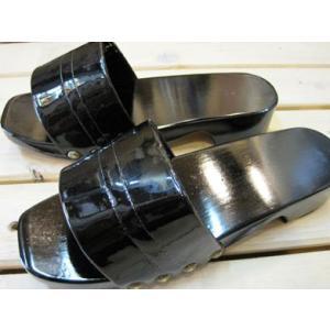 木製レトロカラー下駄 日本製 ブラック/Lサイズ(〜26.5cm)【防水加工!ベランダやお散歩・業務用に。M・Lサイズあり】|tomy