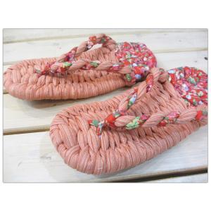 たっぷりの布を使って作られた『布わらじ(布草履・ぞうり)』です。 鼻緒式の履き物は、『足の裏の筋肉(...