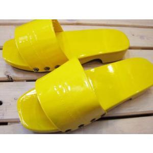 木製レトロカラー下駄 日本製 イエロー/Mサイズ(〜25cm)【防水加工!ベランダやお散歩・業務用に。M・Lサイズあり】|tomy