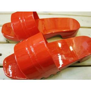 木製レトロカラー下駄 日本製 レッド/Mサイズ(〜25cm)【防水加工!ベランダやお散歩・業務用に。M・Lサイズあり】|tomy