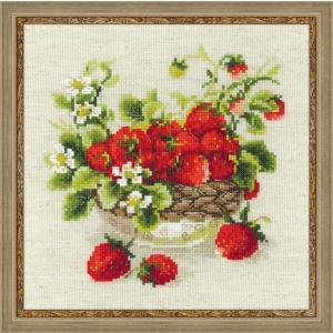 RIOLISクロスステッチ刺繍キット No.1449 「Garden Strawberry」 (庭のいちご イチゴ 苺) 【海外取り寄せ/納期1〜2カ月】|torii