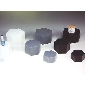 六角ディスプレイ台(II型) 黒マット W80mm×D70mm×H50mm 板厚3mm (アクリルステージ)|toumeikan